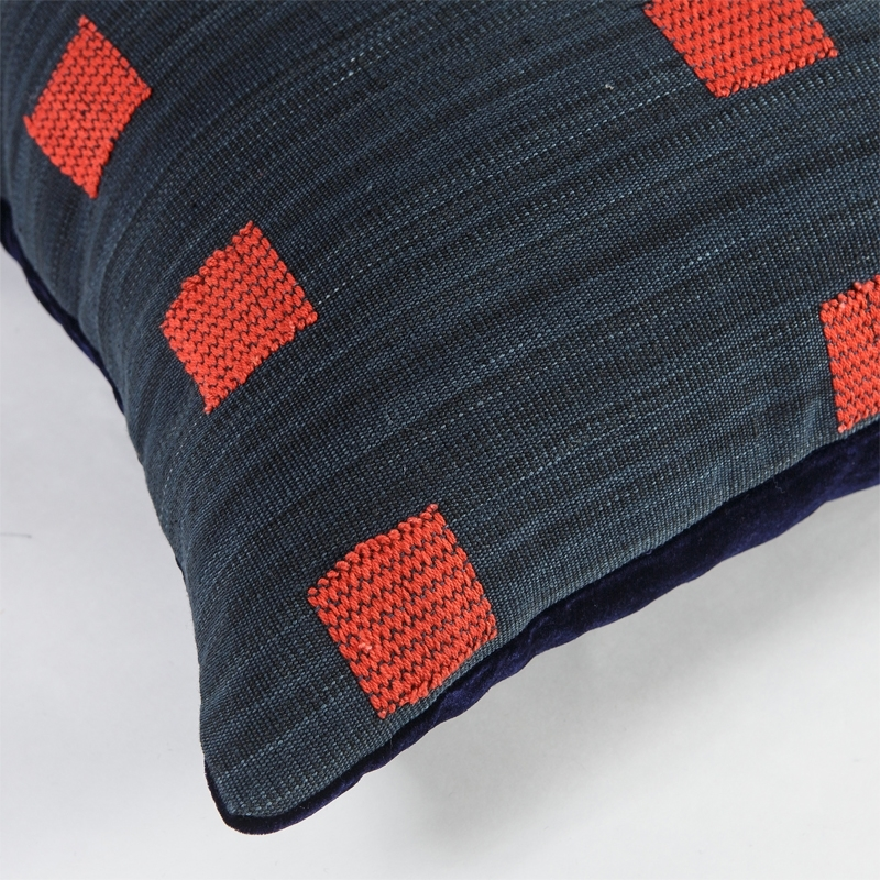 burma-z-pillow-red-detail2