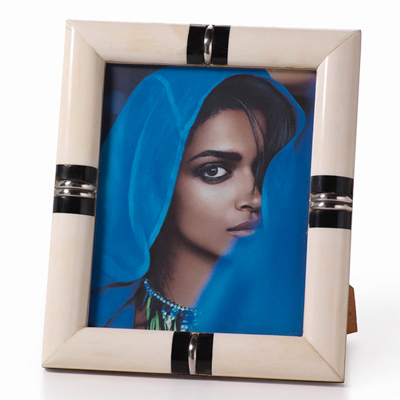 bone-and-horn-photo-frame-4x6-front1
