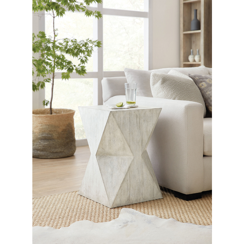 spot-accent-table-roomshot1