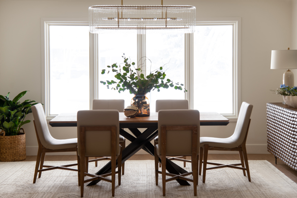 Picture for category Dining Room Vignette